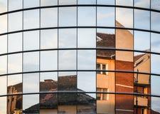 окно 2010 лета отражения офиса здания astana стоковая фотография