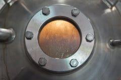 Окно иллюминатора в танке фабрики Стоковые Фотографии RF