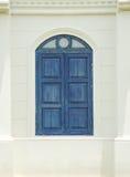 Окно и обои стоковое изображение
