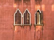 Окно и стена в Венеции стоковая фотография rf