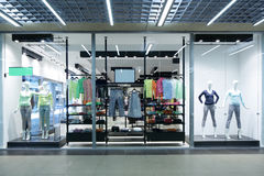 Окно красивого европейского магазина Стоковое фото RF