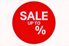 Окно магазина со знаком продажи изолированным на белой предпосылке бесплатная иллюстрация