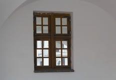 Окно на белом фасаде Стоковая Фотография RF