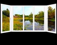 Окно обозревая пруд лета Стоковые Изображения