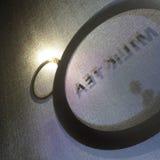 Окно подписывает внутри кофейню стоковые фотографии rf