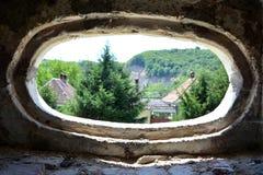 Окно Реконструкция фантазии средневекового дворца в деревне Racos, Трансильвании Стоковое Фото