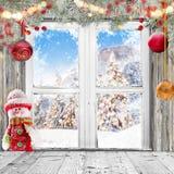 Окно рождества старое белое с украшениями Стоковое Фото