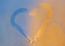 окно сердца падений росы Стоковое Изображение