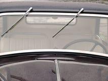 окно старого отметчика времени автомобиля влажное Стоковые Изображения