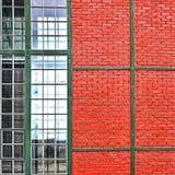 окно стены красного цвета кирпича Стоковое Изображение RF