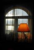 Окно с лампой Стоковая Фотография