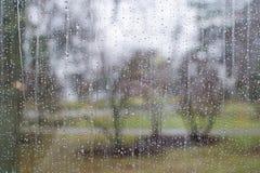 Окно с картиной дождевой капли Стоковое Изображение