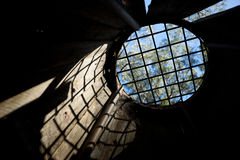 Окно тюремной камеры подземелья Стоковые Фото