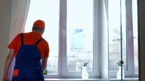 окно фокуса чистки стеклянное поверхностное видеоматериал