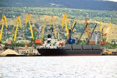около корабля порта пристани Стоковое фото RF