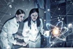 2 доктора и новой технологии Мультимедиа Стоковая Фотография RF