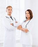 2 доктора с стетоскопами Стоковые Изображения