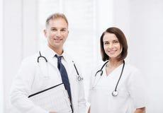 2 доктора с стетоскопами Стоковое Фото