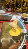 Окунать свинину с сыром и еда в ресторане стоковая фотография