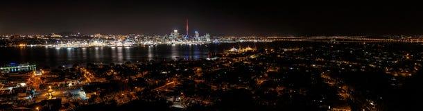 Окленд Nightscape Стоковые Фото