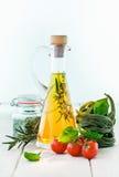 оливка масла carafe стоковые изображения rf