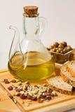 оливки оливки масла кувшина Стоковые Фотографии RF