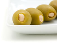 оливки тарелки белые Стоковое Изображение RF