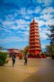 Олово Sha, Гонконг - 26-ое января 2017: Красная пагода на 10 тысяч монастыре Buddhas Стоковое фото RF