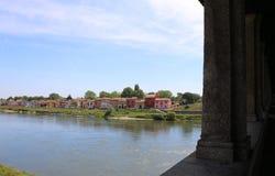 дома и река Тичино от старого моста Стоковое Изображение RF