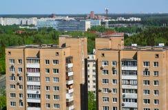 2 дома кирпича в взгляд сверху административной единицы Zelenograd, Москвы Стоковые Фотографии RF