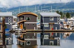 2 дома Марины на пристани Стоковое Изображение