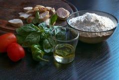 домодельная пицца ингридиентов Стоковая Фотография RF