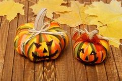 2 домодельных усмехаясь тыквы на хеллоуин Стоковые Изображения