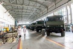 Омск, Россия - 16-ое июля 2013: фабрика Иртыш радиотехнической аппаратуры Стоковое Изображение