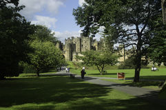дом 1309 Англии графов dukes замока alnwick обитал в самом большом percy s northumberland во-вторых Стоковые Фотографии RF