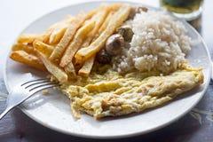 Омлет с рисом, фраями стоковые фотографии rf