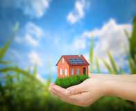 дом принципиальной схемы зеленая стоковое изображение rf
