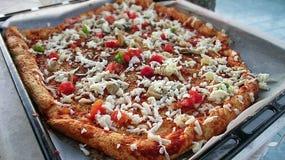 дом сделал пиццу Стоковое Фото