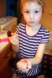 она красить ногтей Стоковые Изображения