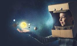 Она хочет стать астронавтом Мультимедиа Стоковое Изображение