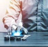 Онлайн-банкинги и интернет креня передвижная концепция банка Стоковые Фото