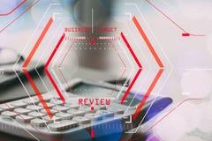 Онлайн концепция оценки обзоров с scannin halogram компьютера Стоковые Фото