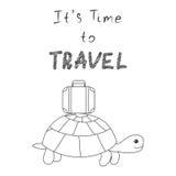 Оно время s путешествовать Черепаха идет на отключение с чемоданом Стоковая Фотография RF