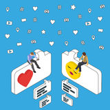 Онлайн датировка и болтовня Равновеликие люди сидят на диалоговом окне Социальные средства массовой информации выходя равновелику Стоковое Изображение