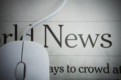 Он-лайн новости Стоковые Изображения RF
