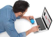 Онлайн покупки с карточкой Стоковые Фотографии RF