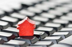 Он-лайн принципиальная схема недвижимости Стоковое фото RF