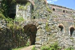 Он стробирует к Kaiserswerth, замку ` s Barbarossa старому стоковая фотография