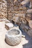Опарникы хранения на дворце Minoan Phaistos на Крите, Греции стоковые изображения rf