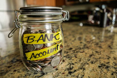 Опарник денег счета в банк Стоковые Изображения